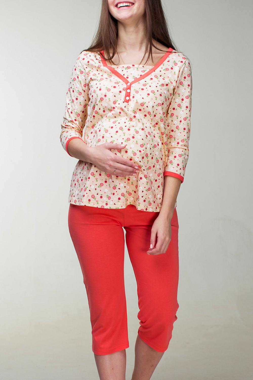 ПижамаОдежда для дома<br>Пижама женская из эластичного трикотажного полотна состоит из блузы и коротких брюк. Блуза цветная с планкой и пуговицами по полочке. Горловина и планка обработаны широкой окантовкой контрастного цвета. Рукава 3/4 .Низ рукава тоже обработан широкой окантовкой.  Брюки короткие. Верхний срез обработан поясом с эластичной тесьмой.  За счет свободного кроя и эластичного материала изделие можно носить во время беременности.  Цвет: бежевый, красный<br><br>По сезону: Всесезон<br>Горловина: Фигурная горловина<br>По рисунку: С принтом,Цветные<br>По силуэту: Приталенные<br>Рукав: Рукав три четверти<br>По длине: Ниже колена<br>Размер : 42,44,46,48,50,52<br>Материал: Трикотаж<br>Количество в наличии: 10