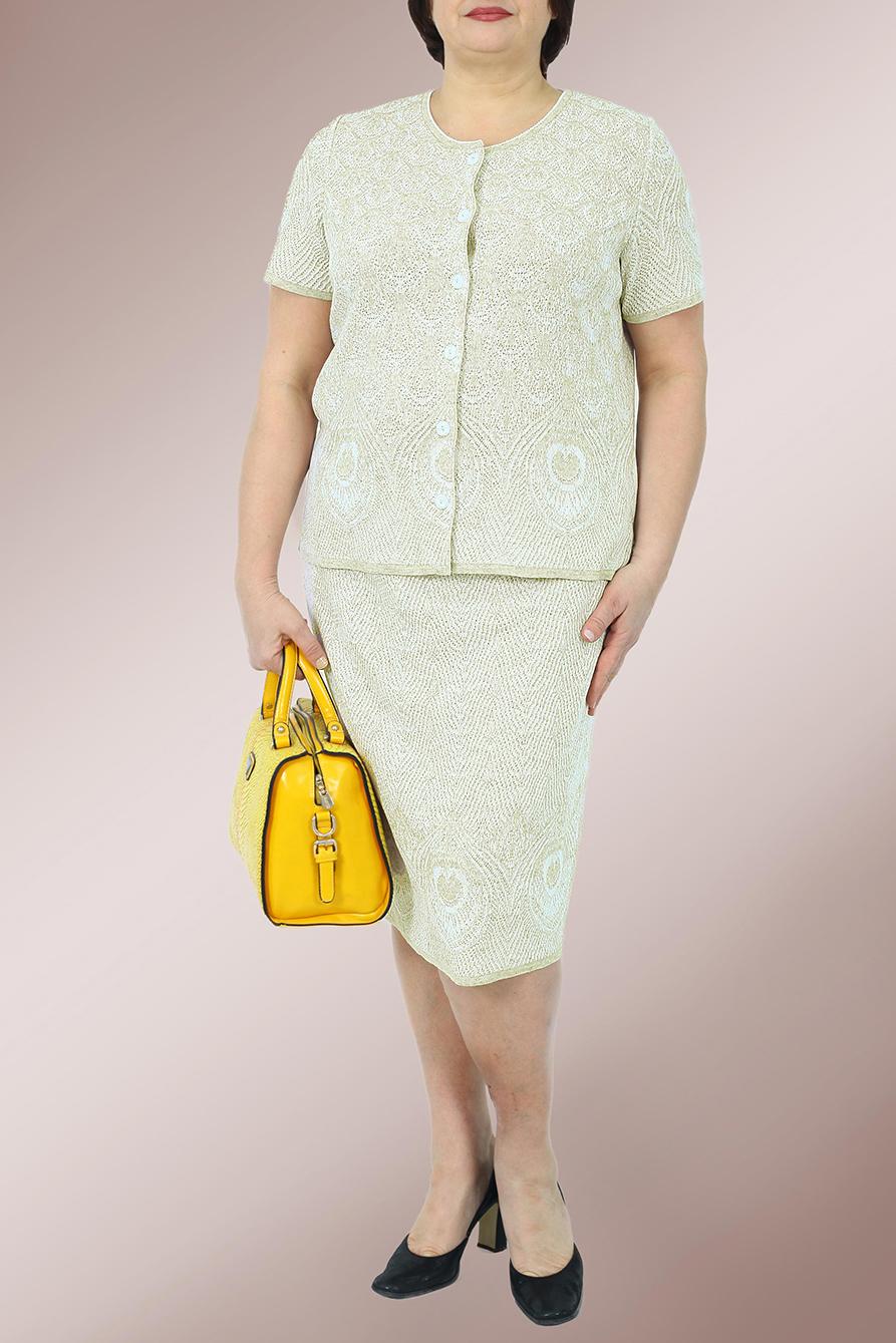КостюмКостюмы<br>Замечательный костюм состоит из жакета и юбки на подкладе. Вязаный трикотаж - это красота, тепло и комфорт. В вязаных вещах очень легко оставаться женственной и в то же время не замёрзнуть.  В изделии использованы цвета: белый  Ростовка изделия 170 см.<br><br>Горловина: С- горловина<br>Застежка: С пуговицами<br>По длине: Ниже колена<br>По материалу: Вязаные,Трикотаж<br>По рисунку: С принтом,Цветные<br>По сезону: Весна,Лето<br>По силуэту: Приталенные<br>По стилю: Летний стиль,Повседневный стиль<br>По форме: Костюм двойка,Юбочный костюм<br>По элементам: С подкладом<br>Рукав: Короткий рукав<br>Размер : 48,50<br>Материал: Вязаное полотно<br>Количество в наличии: 2