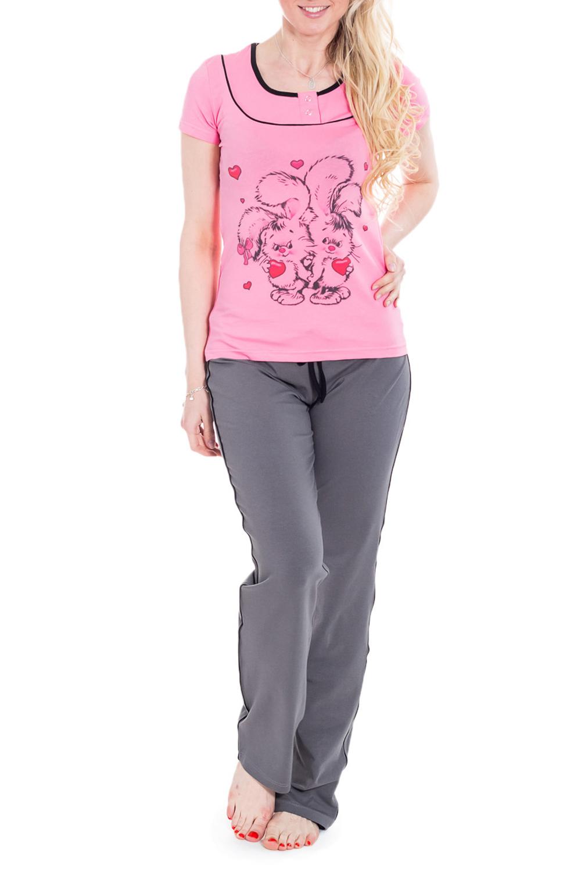 КомплектКомплекты и костюмы<br>Женский комплект из брюк и футболки. Домашняя одежда, прежде всего, должна быть удобной, практичной и красивой. В комплекте Вы будете чувствовать себя комфортно, особенно, по вечерам после трудового дня.  Цвет: серый, розовый  Рост девушки-фотомодели 170 см<br><br>Горловина: С- горловина<br>По длине: Макси<br>По рисунку: Цветные,С принтом<br>По сезону: Весна,Зима,Лето,Осень,Всесезон<br>По силуэту: Полуприталенные<br>Рукав: Короткий рукав<br>По форме: Костюм двойка,Брючный костюм<br>По материалу: Трикотаж,Хлопок<br>Размер : 44,52<br>Материал: Трикотаж<br>Количество в наличии: 2