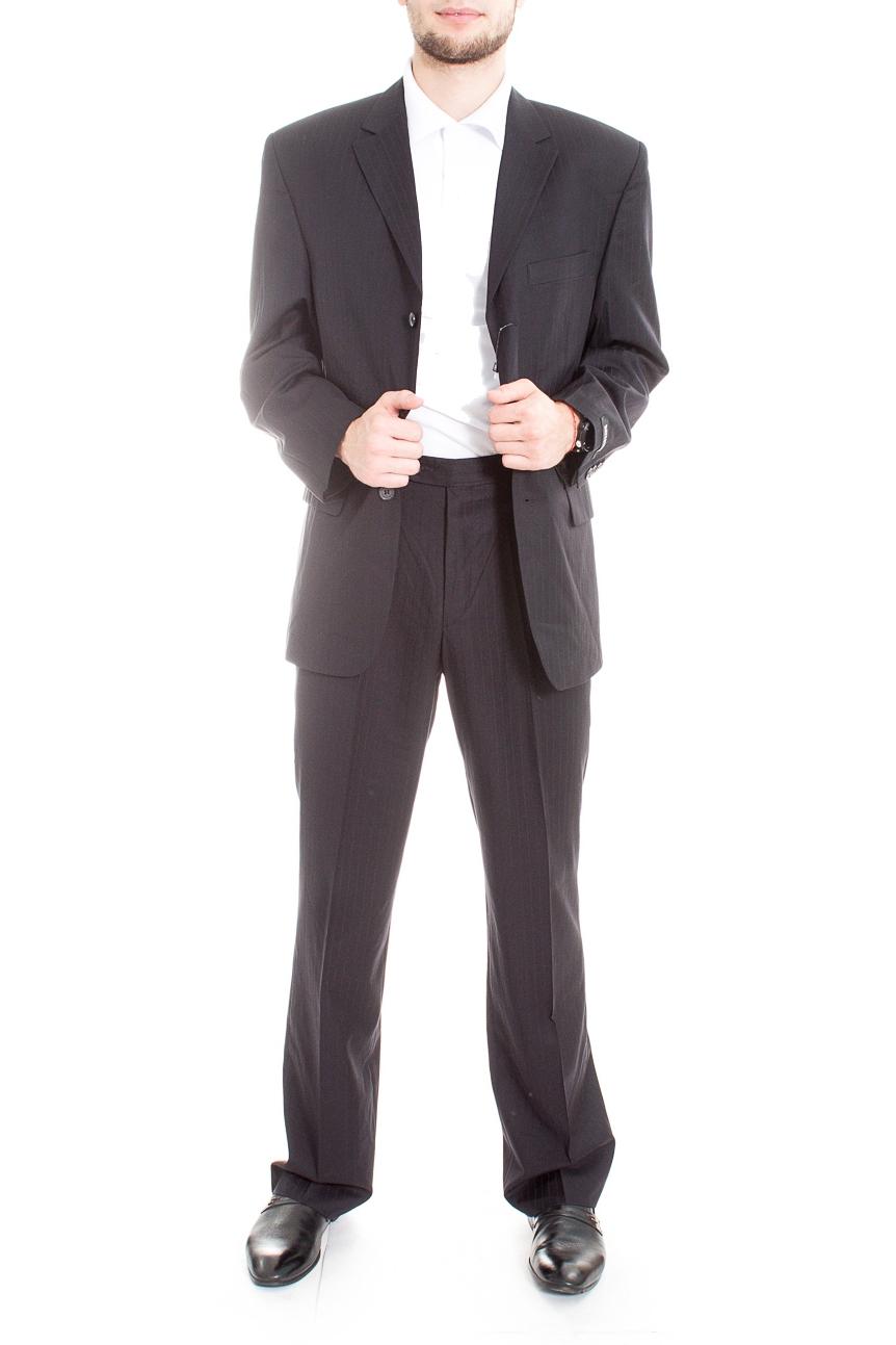 КостюмКостюмы<br>Мужской деловой костюм в полоску.  Цвет: темно-серый  Ростовка изделия: 164 см.  Рост мужчины-фотомодели 182 см<br><br>По сезону: Всесезон<br>Размер : 46,48,50,52,54<br>Материал: Костюмная ткань<br>Количество в наличии: 6