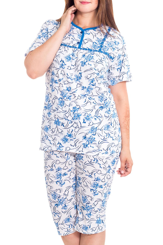 ПижамаПижамы<br>Хлопковая пижама состоит из туники и бридж. Домашняя одежда, прежде всего, должна быть удобной, практичной и красивой. В наших изделиях Вы будете чувствовать себя комфортно, особенно, по вечерам после трудового дня.  В изделии использован цвета: белый, голубой  Рост девушки-фотомодели 180 см<br><br>Горловина: С- горловина<br>По рисунку: Цветные,Цветочные,С принтом<br>По сезону: Весна,Зима,Лето,Осень,Всесезон<br>По силуэту: Полуприталенные<br>Рукав: Короткий рукав<br>По материалу: Хлопок<br>Размер : 54,56,58<br>Материал: Хлопок<br>Количество в наличии: 3