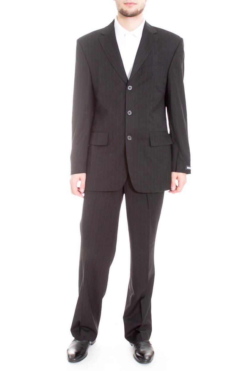 КостюмКостюмы<br>Мужской деловой костюм в полоску.  Цвет: черный  Ростовка изделия: 170 см.  Рост мужчины-фотомодели 182 см<br><br>По сезону: Всесезон<br>Размер : 48,50,52<br>Материал: Костюмная ткань<br>Количество в наличии: 3