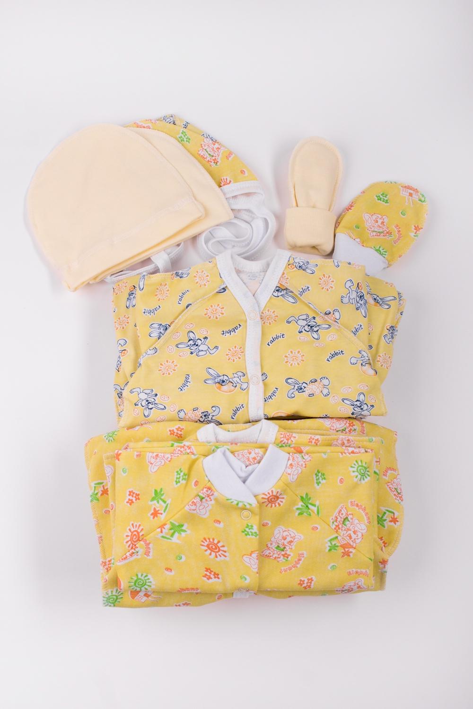 КомплектКомплекты<br>Хлопковый комплект для новорожденного. Отличный подарок для будущих родителей.  В набор входит: Ползунки - 6 шт. Рукавички - 1 шт.  Чепчик - 4 шт.  Пинетки - 1 шт.  Распашонка - 1 шт. Кофточка - 5 шт. Ползунки - 11 шт. Комбинезон - 2 шт.  В изделии использованы цвета: желтый и др.<br><br>Размер : 56<br>Материал: Хлопок<br>Количество в наличии: 1