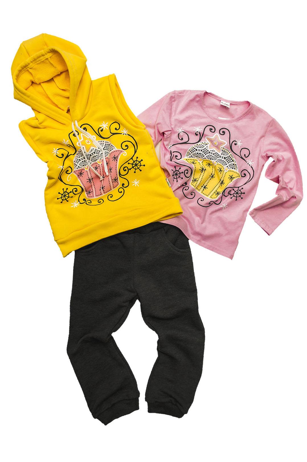 КостюмКостюмы<br>Трикотажный костюм для девочки.  В изделии использованы цвета: серый, желтый, розовый и др.  Размер 74 соответствует росту 70-73 см Размер 80 соответствует росту 74-80 см Размер 86 соответствует росту 81-86 см Размер 92 соответствует росту 87-92 см Размер 98 соответствует росту 93-98 см Размер 104 соответствует росту 98-104 см Размер 110 соответствует росту 105-110 см Размер 116 соответствует росту 111-116 см Размер 122 соответствует росту 117-122 см Размер 128 соответствует росту 123-128 см Размер 134 соответствует росту 129-134 см Размер 140 соответствует росту 135-140 см Размер 146 соответствует росту 141-146 см Размер 152 соответствует росту 147-152 см Размер 158 соответствует росту 153-158 см Размер 164 соответствует росту 159-164 см Размер 170 соответствует росту 165-170 см Размер 176 соответствует росту 171-176 см Размер 182 соответствует росту 177-182 см<br><br>Горловина: Капюшон,С- горловина<br>По возрасту: Дошкольные ( от 3 до 7 лет),Ясельные ( от 1 до 3 лет)<br>По материалу: Трикотажные<br>По образу: Повседневные<br>По рисунку: С принтом (печатью),Цветные<br>По сезону: Всесезон,Зима,Осень,Весна<br>По силуэту: Полуприталенные<br>По стилю: Повседневные,Теплые<br>По элементам: С карманами<br>Рукав: Длинный рукав<br>Размер : 110,122,98<br>Материал: Трикотаж<br>Количество в наличии: 3