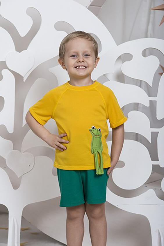 КостюмКостюмы<br>Летний костюм ( футболка и трикотажные шорты). На футболке аппликация ручной работы quot;Лягушкаquot;.  В изделии использованы цвета: желтый, зеленый  Размер 74 соответствует росту 70-73 см Размер 80 соответствует росту 74-80 см Размер 86 соответствует росту 81-86 см Размер 92 соответствует росту 87-92 см Размер 98 соответствует росту 93-98 см Размер 104 соответствует росту 98-104 см Размер 110 соответствует росту 105-110 см Размер 116 соответствует росту 111-116 см Размер 122 соответствует росту 117-122 см Размер 128 соответствует росту 123-128 см Размер 134 соответствует росту 129-134 см Размер 140 соответствует росту 135-140 см Размер 146 соответствует росту 141-146 см Размер 152 соответствует росту 147-152 см Размер 158 соответствует росту 153-158 см Размер 164 соответствует росту 159-164 см<br><br>Горловина: С- горловина<br>По возрасту: Ясельные ( от 1 до 3 лет),Дошкольные ( от 3 до 7 лет)<br>По длине: Миди<br>По материалу: Хлопковые<br>По образу: Повседневные<br>По рисунку: Цветные<br>По сезону: Весна,Зима,Лето,Осень,Всесезон<br>По силуэту: Полуприталенные<br>По форме: Брючные,Костюм двойка<br>По элементам: С декором<br>Рукав: Короткий рукав<br>По стилю: Повседневный стиль<br>Размер : 116,92,98<br>Материал: Хлопок<br>Количество в наличии: 3