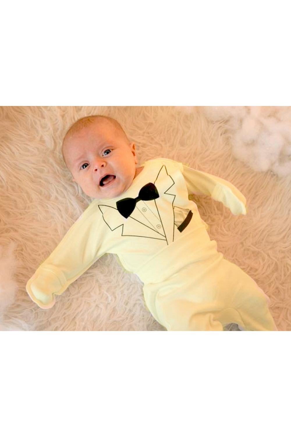 КомплектКомплекты<br>Хлопковый комплект для новорожденного  Цвет: желтый и др.  Размер соответствует росту ребенка<br><br>По сезону: Всесезон<br>Размер : 50-56,56-62<br>Материал: Хлопок<br>Количество в наличии: 7