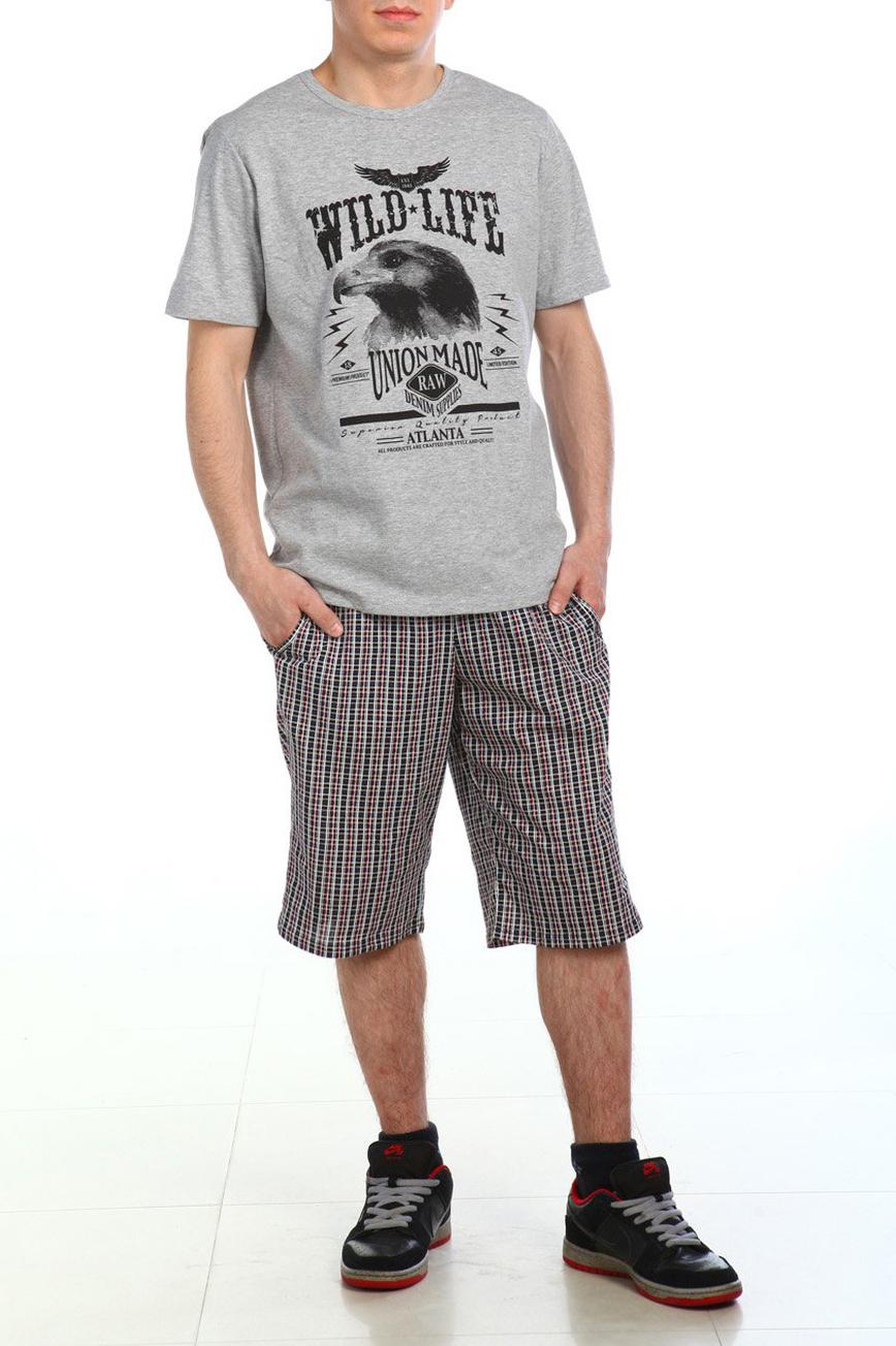 КомплектКомплекты и костюмы<br>Замечательный комплект состоит из футболки и шорт. Домашняя одежда, прежде всего, должна быть удобной, практичной и красивой. В нашей домашней одежде Вы будете чувствовать себя комфортно, особенно, по вечерам после трудового дня.  Цвет: серый и др.  Рост мужчины-фотомодели 180 см<br><br>По сезону: Всесезон<br>Размер : 48<br>Материал: Трикотаж<br>Количество в наличии: 1