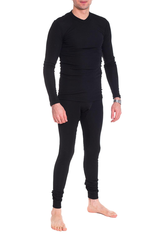 ТермобельеТермобелье<br>Термобелье - это специальное нижнее белье. Оно выполняет терморегулирующую функцию, препятствует переохлождению и перегреву, отводит влагу, сохраняет комфорт, оставаясь сухим и мягким. Термобелье можно использовать как для занятий спортом, так и для повседневной носки.  Теплый, комфортный в носке комплект на флисе, отлично садится по фигуре. Модель прекрасно сохраняет форму после стирки.   Как работает термобельё:  - сохраняет тепло Содержащийся в ткани воздух, соприкасаясь с теплом, нагревается до   комфортной температуры. Таким образом создается защитная прослойка из   теплого воздуха между кожей и холодной внешней средой, достигается эффект   сохранения тепла.  - отводит влагу  -оптимальный баланс между теплом и относительной влажностью  Внутренний слой обычно обрабатывается специальной антибактериальной   пропиткой, поэтому термобельё нейтрализует раздражающее действие пота на   кожу и так же обладает следующими качествами: легко чистится,   износостойкое, не мнущееся, долговечное, не выгорает, стабильно в размерах,   не токсично, дышит.  Уход за термобельём  Термобелье следует стирать в теплой воде при температуре не выше +40С, с   мылом или стиральным порошком, вручную или в стиральной машине в бережном   режиме с добавлением ополаскивателя с антистатиком. После стирки необходимо   тщательно дополоскать. Не отжимать, а дать воде стечь. Сушить без   применения нагревательных приборов.  Термобельё категорически запрещается кипятить, гладить, сушить в сушильной   машине, на батарее отопления или над огнем. Белье нельзя подвергать   химической чистке и обрабатывать любыми растворителями. Помните, что   материал нагретый до температуры более +60С, необратимо теряет свои   свойства. Бельё не линяет и не красится при ручной и машинной стирке.  Цвет: черный  Рост мужчины-фотомодели 177 см<br><br>По сезону: Зима<br>Размер : 46,48,50,52,54<br>Материал: Трикотаж<br>Количество в наличии: 23