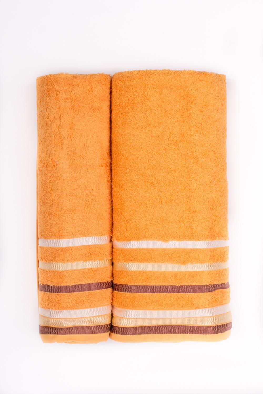 Комплект махровых полотенецПолотенца<br>Комплект махровых полотенец В комплект входят 2 полотенца размерами 50*90 и 70*140 см.  Цвет: оранжевый, мультицвет<br><br>Отделка края: Отделка строчкой<br>По материалу: Бамбуковые,Махровые<br>По рисунку: Однотонные<br>Размер : UNI<br>Материал: Бамбук<br>Количество в наличии: 1