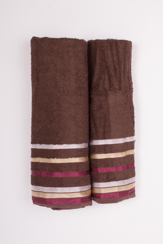 Комплект махровых полотенецПолотенца<br>Комплект махровых полотенец В комплект входят 2 полотенца размерами 50*90 и 70*140 см.  Цвет: коричневый, мультицвет<br><br>Отделка края: Отделка строчкой<br>По материалу: Махровые,Бамбук<br>По рисунку: Однотонные<br>Размер : UNI<br>Материал: Бамбук<br>Количество в наличии: 1