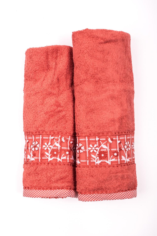 Комплект махровых полотенецПолотенца<br>Комплект махровых полотенец В комплект входят 2 полотенца размерами 50*90 и 70*140 см.  Цвет: оранжево-коричневый<br><br>Отделка края: Отделка строчкой<br>По материалу: Махровые,Хлопковые<br>По назначению: Декоротивные,Практические<br>По рисунку: Однотонные<br>По элементам: С отделкой<br>Размер : UNI<br>Материал: Махровое полотно<br>Количество в наличии: 1