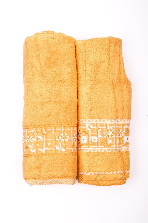 Комплект махровых полотенецПолотенца<br>Комплект махровых полотенец В комплект входят 2 полотенца размерами 50*90 и 70*140 см.  Цвет: желтый<br><br>Отделка края: Отделка строчкой<br>По материалу: Махровые,Хлопок<br>По рисунку: Однотонные<br>Размер : UNI<br>Материал: Махровое полотно<br>Количество в наличии: 1