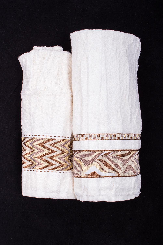 Комплект махровых полотенецПолотенца<br>Комплект махровых полотенец В комплект входят 2 полотенца размерами 50*90 и 70*140 см.  Цвет: белый, коричневый<br><br>Отделка края: Отделка строчкой<br>По материалу: Махровые,Хлопковые<br>По назначению: Декоротивные,Практические<br>По рисунку: Однотонные<br>По элементам: С отделкой<br>Размер : UNI<br>Материал: Махровое полотно<br>Количество в наличии: 1