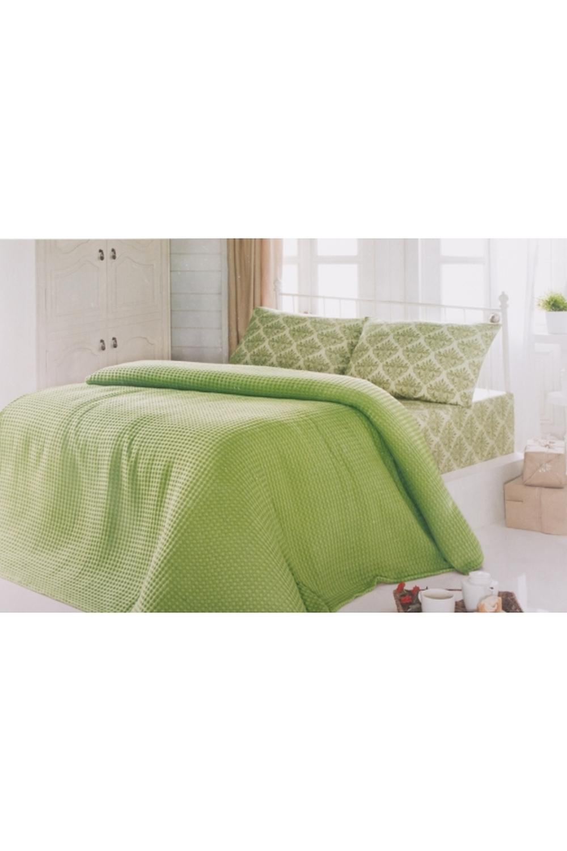 Комплект постельного бельяПостельное белье<br>Постельное состоит из простыни, наволочки и утепленного покрывала. Летом его можно использовать как тонкое одеяло.  Цвет: зеленый, белый  Комплект полутораспального гарнитура: Покрывало 160х230 - 1шт. Простыня 160х240 - 1шт. Наволочка 70х70 - 1шт.  Комплект двуспального гарнитура: Покрывало 200х230 - 1шт. Простыня 220х240 - 1шт. Наволочка 70х70 - 1 шт.<br><br>По материалу: Хлопок<br>По размеру: Полутороспальные<br>По рисунку: Однотонные<br>По комплектации: Простыня 1 шт.,Наволочка 1 шт.,Пододеяльник 1 шт.<br>По способу закрывания: В нахлест<br>Размер: 1.5<br>Материал: 100% хлопок<br>Количество в наличии: 1