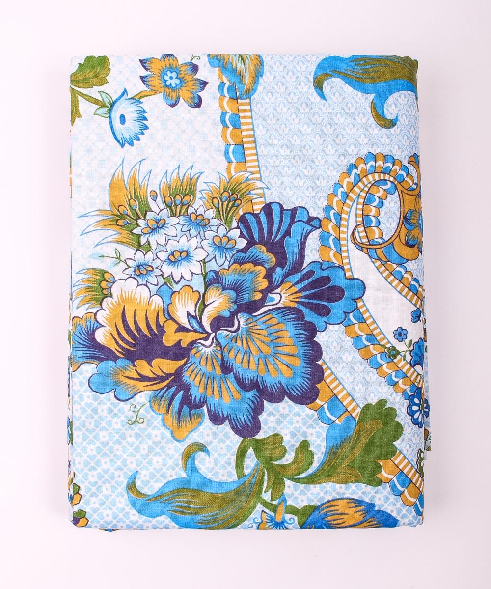 Комплект постельного бельяПостельное белье<br>Постельное белье изготовлено из бязи.  Бязь - это плотная хлопчатобумажная ткань, гигиеничная, обладающая низкой сменяемостью и легко стирающаяся. Изготавливается из 100% хлопка с использованием устойчивых безопасных красителей для нанесения рисунка на долгие годы, сохраняя яркость цвета.  Обращаем Ваше внимание на то, что расположение рисунка на комплекте не всегда полностью совпадает с рисунком на картинке Данное несоответствие не расценивается как брак или некондиция.  Цвет: голубой, синий, зеленый  Комплект полутораспального гарнитура: Пододеяльник 143х214 - 1шт. Простынь 150х214 - 1шт. Наволочка 70х70 - 2шт.  Комплект двуспального гарнитура: Пододеяльник 175х214 - 1шт. Простынь 180х214 - 1шт. Наволочка 70х70 - 2 шт.  Комплект двуспального гарнитура с Евро простыней: Пододеяльник 175х215 - 1шт. Простынь 220х240 - 1шт. Наволочка 70х70 - 2 шт.  Комплект Евро гарнитура:  Пододеяльник 200х220 - 1шт.  Простынь 220х240 - 1шт.  Наволочка 70х70 - 2 шт.  Комплект Дуэт гарнитура:  Пододеяльник 143х214 - 2 шт. Простынь 220х240 - 1шт.  Наволочка 70х70 - 2 шт.<br><br>По комплектации: Наволочка 2 шт.,Пододеяльник 2 шт.,Простыня 1 шт.,Пододеяльник 1 шт.<br>По материалу: Бязь,Хлопок<br>По размеру: Дуэт,Евро<br>По рисунку: С принтом,Цветные<br>По способу закрывания: В нахлест<br>Размер : Duet,Euro<br>Материал: Бязь набивная б/шва 100% хлопок<br>Количество в наличии: 2