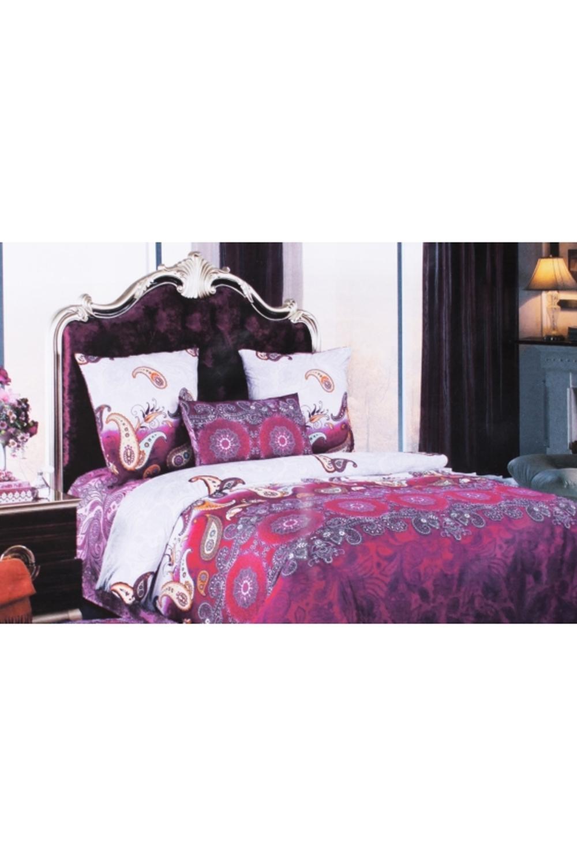 Комплект постельного бельяПостельное белье<br>Постельное белье изготовлено из бязи. Бязь - это плотная хлопчатобумажная ткань, гигиеничная, обладающая низкой сменяемостью и легко стирающаяся. Изготавливается из 100% хлопка с использованием устойчивых безопасных красителей для нанесения рисунка на долгие годы, сохраняя яркость цвета.  Обращаем Ваше внимание на то, что расположение рисунка на комплекте не всегда полностью совпадает с рисунком на картинке Данное несоответствие не расценивается как брак или некондиция.  Цвет: розовый, сиреневый, фиолетовый  Комплект полутораспального гарнитура: Пододеяльник 147х215 - 1шт. Простыня 150х215 - 1шт. Наволочка 70х70 - 2шт.  Комплект двуспального гарнитура: Пододеяльник 175х217 - 1шт. Простыня 180х220 - 1шт. Наволочка 70х70 - 2 шт.  Комплект двуспального гарнитура с Евро-простыней: Пододеяльник 175х217 - 1шт. Простыня 220х240 - 1шт. Наволочка 70х70 - 2 шт.  Комплект Евро гарнитура:  Пододеяльник 217х220 - 1шт.  Простыня 220х240 - 1шт.  Наволочка 70х70 - 2 шт.  Комплект Дуэт гарнитура:  Пододеяльник 147х217 - 2шт.  Простыня 220х240 - 1шт.  Наволочка 70х70 - 2 шт.<br><br>По комплектации: Наволочка 2 шт.,Пододеяльник 1 шт.,Простыня 1 шт.,Пододеяльник 2 шт.<br>По материалу: Бязь,Хлопок<br>По размеру: Двуспальные,Двуспальные с Евро-простыней,Дуэт,Евро<br>По рисунку: С принтом,Цветные<br>По способу закрывания: В нахлест<br>Размер : 2,0 Euro,Duet,Euro<br>Материал: Бязь набивная б/шва 100% хлопок<br>Количество в наличии: 3