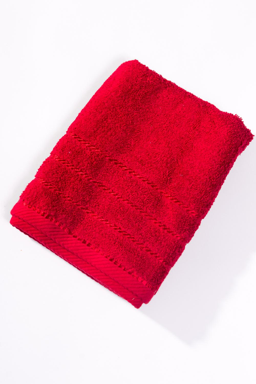 Махровое полотенцеПолотенца<br>Мягкое махровое полотенце  Цвет: красный<br><br>Отделка края: Отделка строчкой<br>По материалу: Махровые,Хлопок<br>По рисунку: Однотонные<br>Размер : 50*100<br>Материал: Махровое полотно<br>Количество в наличии: 1
