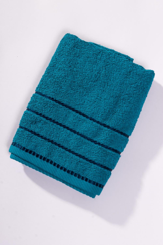 Махровое полотенцеПолотенца<br>Мягкое махровое полотенце  Цвет: синий<br><br>Отделка края: Отделка строчкой<br>По материалу: Махровые,Хлопок<br>По рисунку: Однотонные<br>Размер : 50*100,70*140<br>Материал: Махровое полотно<br>Количество в наличии: 3