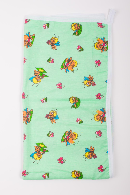 ПолотенцеДля ванной<br>Уголок для купания фланель Размер 75*75 см.  цвет: зеленый, мультицвет.<br><br>По сезону: Всесезон<br>Размер : 75*75<br>Материал: Фланель<br>Количество в наличии: 1