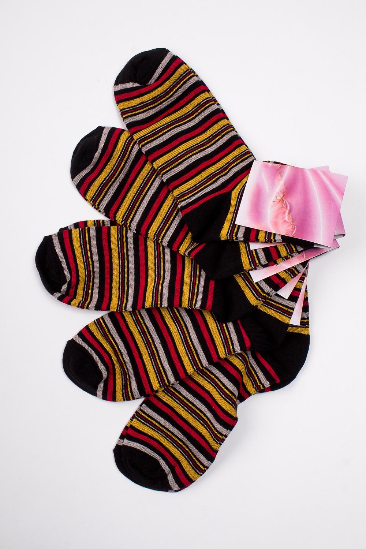 НоскиНоски<br>Хлопковые носки из мягкого трикотажа. В наборе 5 пар.  В изделии использованы цвета: черный, красный, желтый и др.  Цена на сайте указана за 1 упаковку.<br><br>По длине: Миди<br>По материалу: Трикотаж,Хлопок<br>По рисунку: В полоску,С принтом,Цветные<br>По сезону: Весна,Зима,Лето,Осень,Всесезон<br>По стилю: Повседневный стиль<br>Размер : 23-25<br>Материал: Трикотаж<br>Количество в наличии: 2