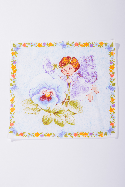 Платок носовойПлатки<br>Женский носовой платок размером 19*19 см.  Платок изготовлен из натурального хлопка, очень мягкий и не раздражает нежную и чувствительную кожу, хорошо впитывает.<br><br>Размер : UNI<br>Материал: Хлопок<br>Количество в наличии: 19