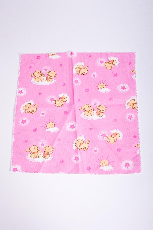Платок носовойПлатки и шарфы<br>Ситцевый платочек для ребенка.  Размер: 24*24 см.  В изделии использованы цвета: розовый и др.<br><br>По сезону: Всесезон<br>Размер : UNI<br>Материал: Ситец<br>Количество в наличии: 5