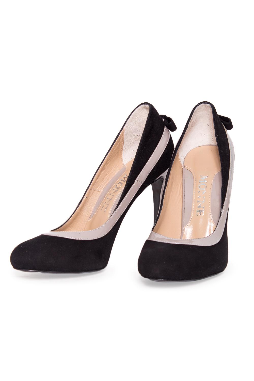 ТуфлиТуфли<br>Туфли Тм Monne страна производства Турция.  Материал верха: натуральная замша.  Эти элегантные женские туфли займут достойное место в Вашей коллекции обуви. Пара отлично сочетается как с брюками, так и с юбкой.  Цвет: черный с серым.<br><br>По материалу: Натуральная замша<br>По сезону: Лето<br>Размер : 36,38<br>Материал: Замша<br>Количество в наличии: 2