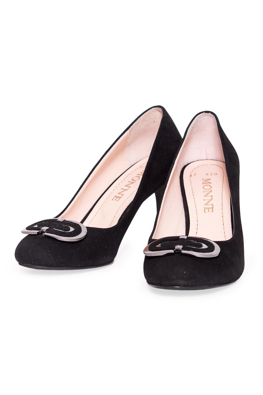 ТуфлиТуфли<br>Туфли Тм Monne страна производства Турция.  Материал верха: натуральная замша.  Эти элегантные женские туфли займут достойное место в Вашей коллекции обуви. Пара отлично сочетается как с брюками, так и с юбкой.  Цвет: черный.<br><br>По материалу: Натуральная замша<br>По сезону: Лето<br>Размер : 37,39,40<br>Материал: Замша<br>Количество в наличии: 3