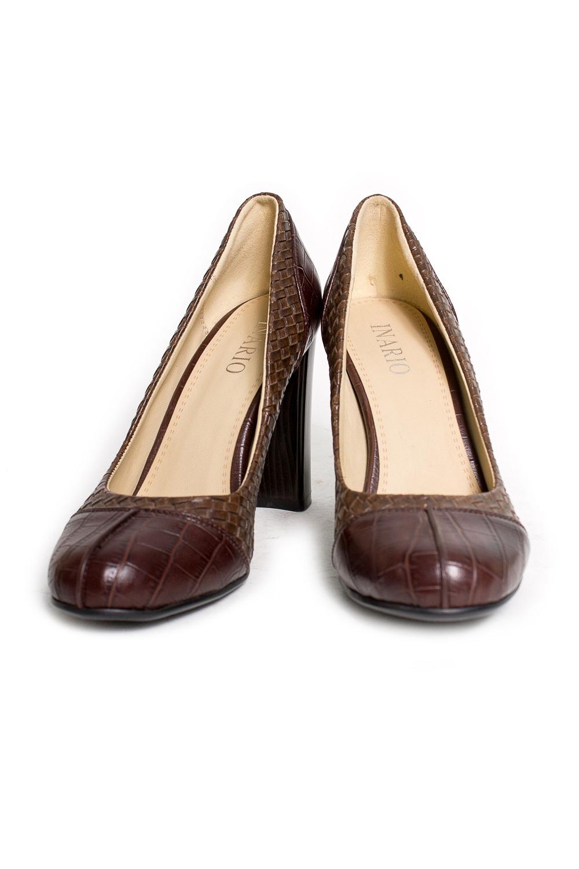 ТуфлиТуфли<br>Туфли Тм INARIO страна производства Китай.  Материал верха: искусственная кожа  Стильные оригинальные женские туфли займут достойное место в Вашей коллекции обуви. Пара отлично сочетается как с брюками так и с юбкой.  Цвет: коричневый<br><br>По материалу: Искусственная кожа<br>По сезону: Лето,Осень,Весна<br>Размер : 38<br>Материал: Искусственная кожа<br>Количество в наличии: 1
