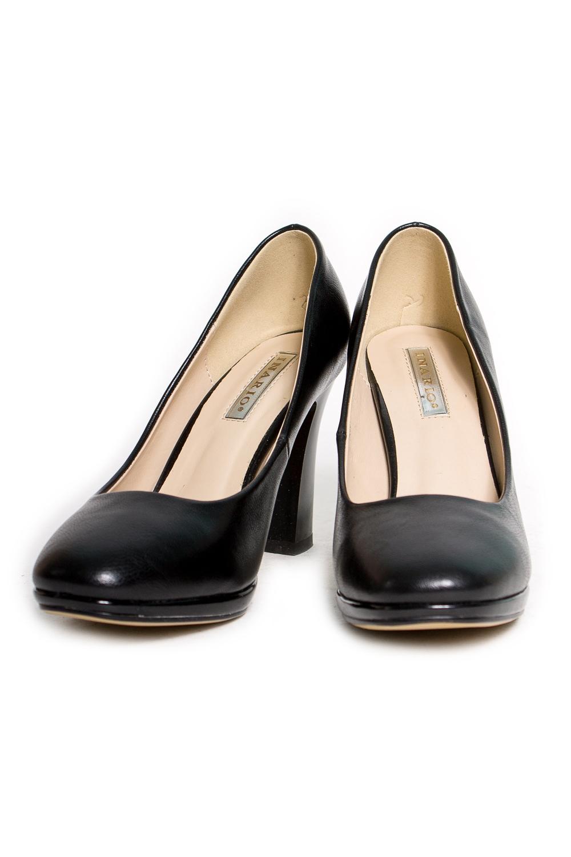 ТуфлиТуфли<br>Туфли Тм INARIO страна производства Китай.  Материал верха: искусственная кожа  Стильные оригинальные женские туфли займут достойное место в Вашей коллекции обуви. Пара отлично сочетается как с брюками так и с юбкой.  Цвет: черный<br><br>По материалу: Искусственная кожа<br>По сезону: Лето,Осень,Весна<br>Размер : 36,39,40<br>Материал: Искусственная кожа<br>Количество в наличии: 3
