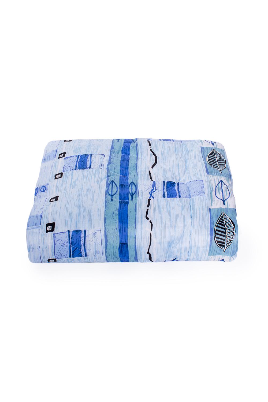 ОдеялоОдеяла и наматрасники<br>Овечья шерсть и изделия, наполнителем которых она является, такие как одеяла, подушки и наматрасники не только дарят непередаваемое ощущение комфорта и тепла, но и обладают рядом действительно лечебных свойств. Например, шерстяные одеяла стимулируют кровообращение, способствуют снятию боли в спине, суставах и мышцах. Люди пожилого возраста выбирают именно такие изделия, поскольку ланолин, содержащийся в овечьей шерсти, благотворным образом влияет на остеохондроз, ревматизм и артрит, препятствует увяданию кожи и преждевременному старению.  В изделии использованы цвета: голубой, синий и др.  Размеры:  Одеяло полутораспальное - 140х205 см. Одеяло двуспальное - 172х205 см. Одеяло Евро - 200х220 см.  Допускается расхождение в размере ± 2 см<br><br>По размеру: Двуспальные<br>По рисунку: С принтом,Цветные<br>Размер : 2,0<br>Материал: Поликоттон<br>Количество в наличии: 1