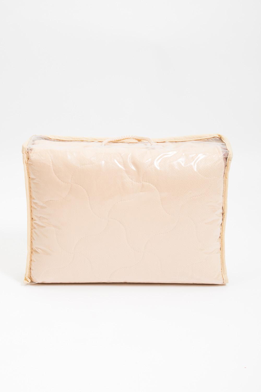 ОдеялоОдеяла и наматрасники<br>Овечья шерсть и изделия, наполнителем которых она является, такие как одеяла, подушки и наматрасники не только дарят непередаваемое ощущение комфорта и тепла, но и обладают рядом лечебных свойств.  Потребительские свойства изделий с наполнителем из овечьей шерсти: - лечебно-профилактический эффект - оптимальный температурный режим - гигроскопичность: обеспечивает комфортное сухое тепло - активная циркуляция воздуха через наполнитель  Ткань верха - микрофибра Наполнитель - овечья шерсть  Цвет: бежевый<br><br>По материалу: Шерсть<br>По размеру: Односпальные,Евро<br>По рисунку: Однотонные<br>Размер : 140*205<br>Материал: Микрофибра<br>Количество в наличии: 1