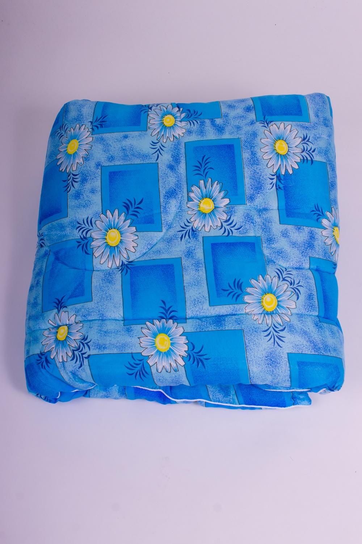 ОдеялоОдеяла и наматрасники<br>Овечья шерсть и изделия, наполнителем которых она является, такие как одеяла, подушки и наматрасники не только дарят непередаваемое ощущение комфорта и тепла, но и обладают рядом действительно лечебных свойств. Например, шерстяные одеяла стимулируют кровообращение, способствуют снятию боли в спине, суставах и мышцах. Люди пожилого возраста выбирают именно такие изделия, поскольку ланолин, содержащийся в овечьей шерсти, благотворным образом влияет на остеохондроз, ревматизм и артрит, препятствует увяданию кожи и преждевременному старению.  Цвет: голубой  Размеры:  Одеяло полутораспальное - 140х205 см. Одеяло двуспальное - 172х205 см. Одеяло Евро - 200х220 см.  Допускается расхождение в размере ± 2 см<br><br>По материалу: Синтетические ткани<br>По размеру: Евро<br>По рисунку: Геометрия,Растительные мотивы,Цветные,Цветочные<br>Размер : Euro<br>Материал: Поликоттон<br>Количество в наличии: 1