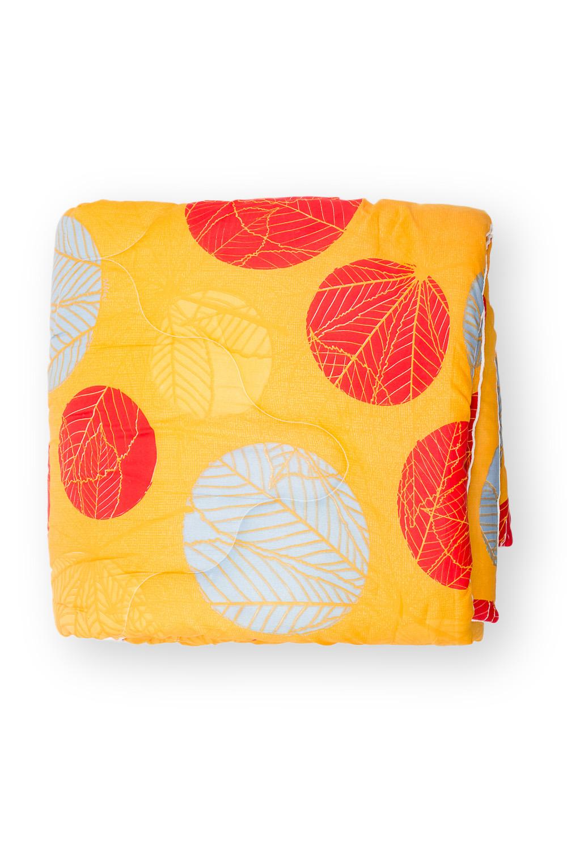 ОдеялоОдеяла и наматрасники<br>«Экософт» - это классическая коллекция одеял с микрофиброй. Микрофибра – это пряжа нового поколения, очень прочная и воздухопроницаемая. При этом она приятна на ощупь и не просвечивает через постельное белье. Микрофибра состоит из полых волокон. Ее пористая структура задерживает частицы пыли и не пропускает их внутрь. По своей упругости и мягкости она напоминает натуральный пух. Ключевое отличие состоит в гипоаллергенности и отсутствии нежелательных микроорганизмов. Такой наполнитель создает все условия для комфортного и безопасного сна. Одеяло «Экософт» просто в уходе и длительное время сохраняет свои полезные физические свойства. Универсальная серия для тех, кто ценит полноценный отдых и качественные материалы.  В изделии использованы цвета: желтый, красный, белый  Размеры:  Одеяло полутораспальное - 140х205 см. Одеяло двуспальное - 172х205 см. Одеяло Евро - 200х220 см.<br><br>По материалу: Синтетические ткани<br>По размеру: Евро<br>По рисунку: Растительные мотивы,С принтом,Цветные<br>Размер : 200*220<br>Материал: Полиэстер<br>Количество в наличии: 1
