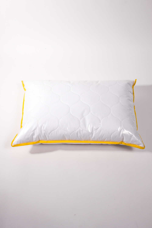 ПодушкаПодушки<br>Бамбуковое волокно обладает хорошими вентиляционными свойствами. Благодаря натуральным смолам, присутствующим в составе бамбукового наполнителя, вы будете избавлены от пыли и неприятного запаха, которые имеют свойство накапливаться в обычных одеялах.  Цвет: белый<br><br>По материалу: Бамбук,Хлопок<br>По рисунку: Однотонные<br>Размер : 40*60,50*70<br>Материал: Хлопок<br>Количество в наличии: 5