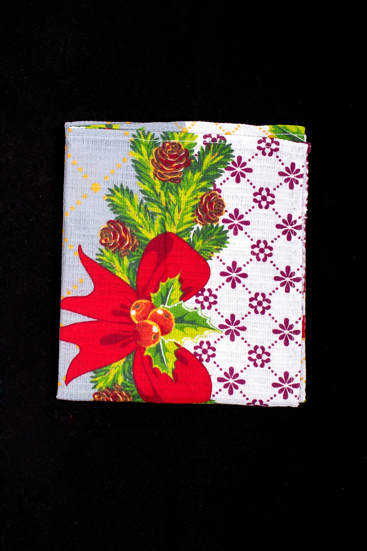 ПолотенцеПолотенца<br>Яркое хлопковое полотенце на кухню  В изделии использованы цвета: серый, белый и др.<br><br>По рисунку: С набивным рисунком,С принтом (печатью),Цветные<br>Размер : 40*70<br>Материал: Хлопок<br>Количество в наличии: 29