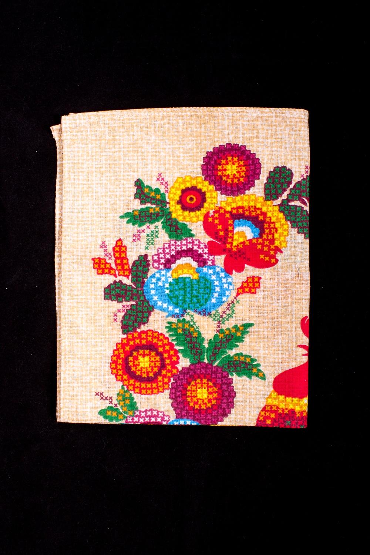 ПолотенцеПолотенца<br>Яркое хлопковое полотенце на кухню  В изделии использованы цвета: бежевый и др.<br><br>По рисунку: Цветные,С принтом<br>Размер : 45*60<br>Материал: Хлопок<br>Количество в наличии: 5
