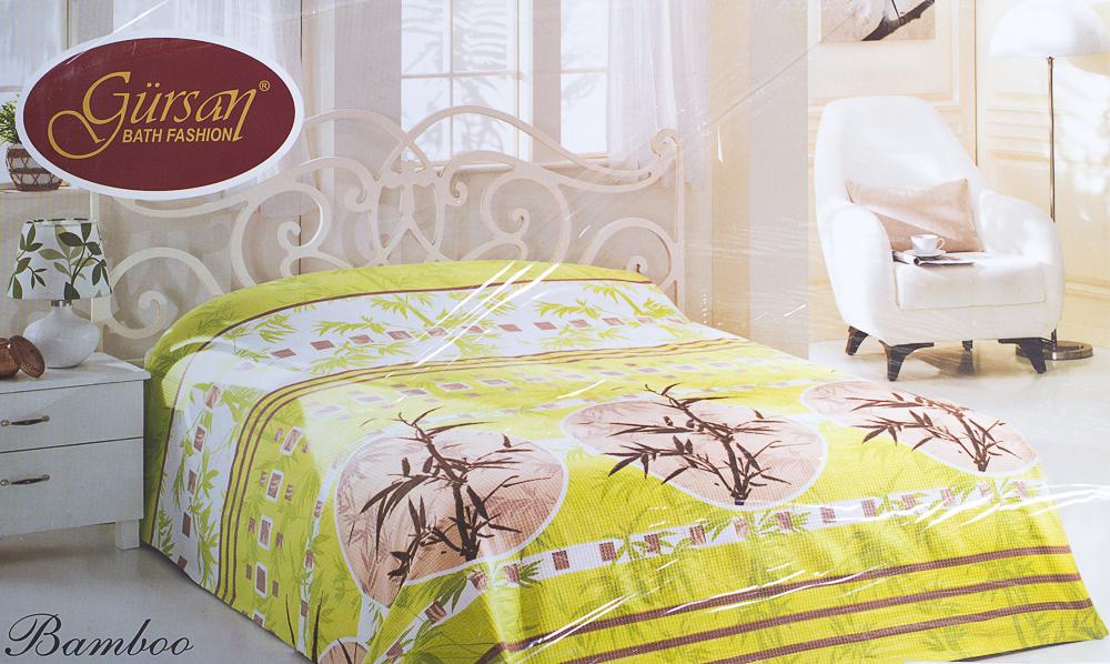 ПокрывалоПокрывала<br>Покрывало на кровать – эта деталь интерьера, которая делает кровать нарядной в течение дня и хранит её для ночи. Оно защищает постельное бельё от износа и загрязнения, сохраняет его свежесть и позволяет Вам каждую ночь ложиться в чистую кровать. Современная мода отводит покрывалам центральное место в спальне и гостиной и советует использовать его не только для того, чтобы защитить мебельную обивку от пыли и пятен. Оригинальная и стильная постельная накидка может не только спрятать белье от посторонних глаз, но и стать элементом декора помещения.  Цвет: салатовый, белый, бежевый<br><br>По материалу: Хлопок<br>По размеру: Евро,Двуспальные<br>По рисунку: Растительные мотивы,Цветные<br>Отделка края: Отделка строчкой<br>Размер: 200*230,160*230<br>Материал: 100% хлопок<br>Количество в наличии: 4