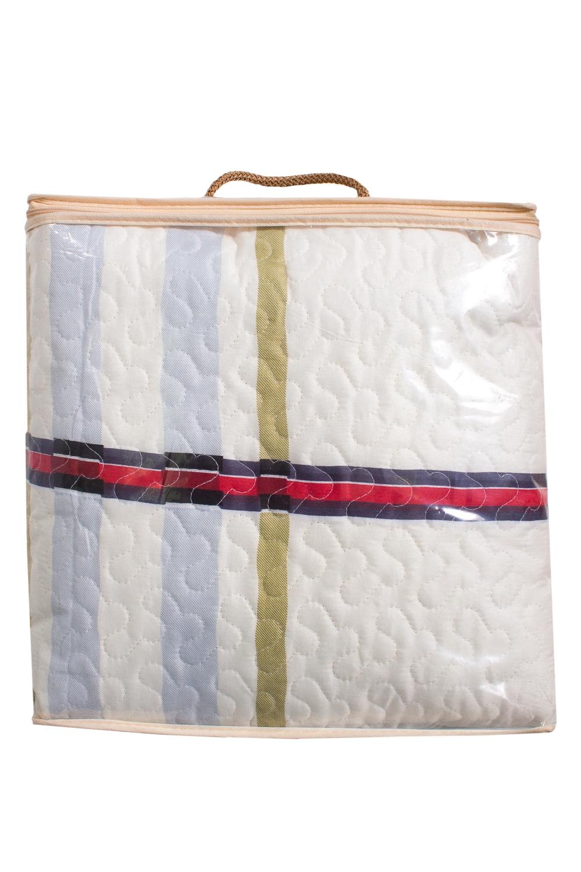 ПокрывалоПокрывала<br>Покрывало на кровать – эта деталь интерьера, которая делает кровать нарядной в течение дня и хранит её для ночи. Оно защищает постельное бельё от износа и загрязнения, сохраняет его свежесть и позволяет Вам каждую ночь ложиться в чистую кровать. Современная мода отводит покрывалам центральное место в спальне и гостиной и советует использовать его не только для того, чтобы защитить мебельную обивку от пыли и пятен. Оригинальная и стильная постельная накидка может не только спрятать белье от посторонних глаз, но и стать элементом декора помещения.  В изделии использованы цвета: белый и др.<br><br>По материалу: Тканевые<br>По рисунку: В полоску,С принтом (печатью),Цветные<br>Размер : 150*220,180*220<br>Материал: Полисатин<br>Количество в наличии: 2