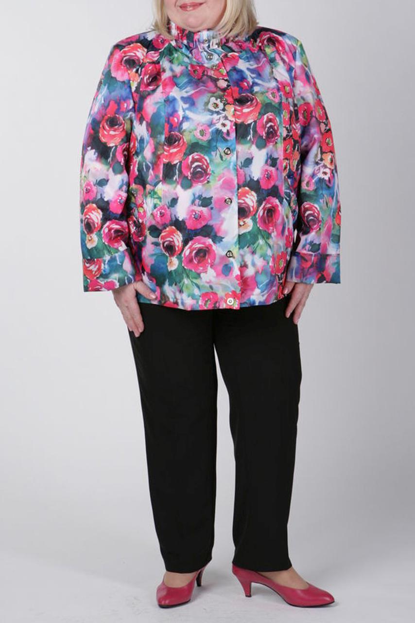 ВетровкаВерхняя одежда<br>Женская ветровка с воротником quot;стойкаquot; и длинными рукавами. Модель выполнена из непродуваемой ткани. Отличный выбор для повседневного гардероба.  Цвет: розовый, голубой, зеленый<br><br>По материалу: Плащевая ткань<br>По рисунку: Растительные мотивы,Цветные,Цветочные,С принтом<br>По сезону: Весна,Осень<br>По элементам: С декором,С карманами<br>Рукав: Длинный рукав<br>По стилю: Молодежный стиль,Повседневный стиль<br>Воротник: Стояче-отложной<br>Застежка: С пуговицами<br>По силуэту: Полуприталенные<br>По длине: До колена<br>Размер : 54,58,60,62<br>Материал: Плащевая ткань<br>Количество в наличии: 4