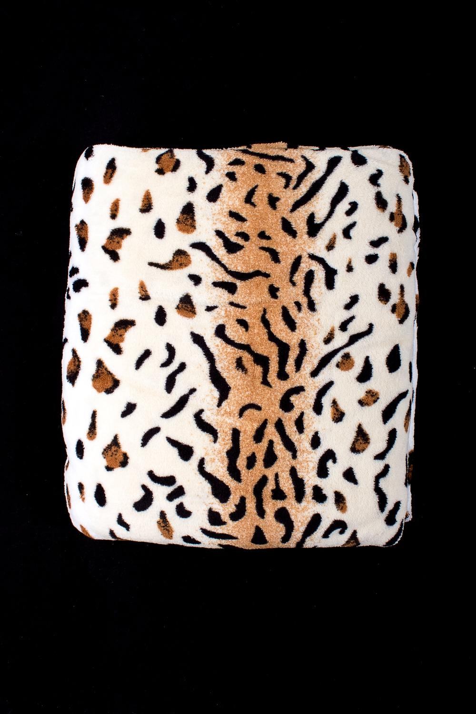 ПледПледы<br>Лёгкий нарядный плед, универсальное текстильное изделие, согревает в сырую погоду дома или в поездке, в туристическом походе, гостинице, косметическом салоне. А так же украшает интерьер.  В изделии использованы цвета: белый, коричневый, черный<br><br>По материалу: Тканевые<br>По рисунку: Леопард,С принтом (печатью),Цветные<br>По сезону: Всесезон<br>Размер : 150*200<br>Материал: Микрофибра<br>Количество в наличии: 1