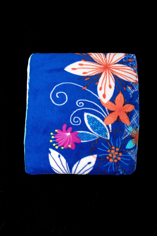 ПледПледы<br>Лёгкий нарядный плед, универсальное текстильное изделие, согревает в сырую погоду дома или в поездке, в туристическом походе, гостинице, косметическом салоне. А так же украшает интерьер.  В изделии использованы цвета: синий и др.<br><br>По материалу: Тканевые<br>По рисунку: Растительные мотивы,С принтом (печатью),Цветные<br>По сезону: Всесезон<br>Размер : 200*220<br>Материал: Микрофибра<br>Количество в наличии: 1