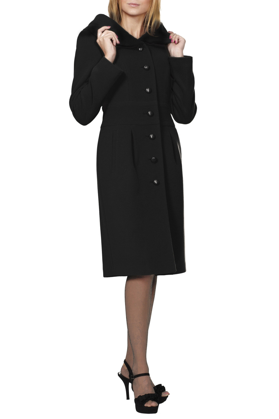 ПальтоПальто<br>Пальто с капюшоном прилегающего силуэта. На переде и спинке обработан втачной пояс. На нижней части переда и отвороте капюшона имеются защипы, переходящие в мягкие складки. Спинка со шлицей. Рукав втачной. Пальто, которое украсит Ваш гардероб.  Цвет: черный  Ростовка изделия 170 см.<br><br>Застежка: С пуговицами<br>По длине: Ниже колена<br>По материалу: Пальтовая ткань,Шерсть<br>По рисунку: Однотонные<br>По силуэту: Приталенные<br>По стилю: Классический стиль,Офисный стиль,Повседневный стиль<br>По элементам: С капюшоном,С карманами,Со складками<br>Рукав: Длинный рукав<br>По сезону: Осень,Весна<br>Размер : 44,46,48,50,52<br>Материал: Пальтовая ткань<br>Количество в наличии: 5