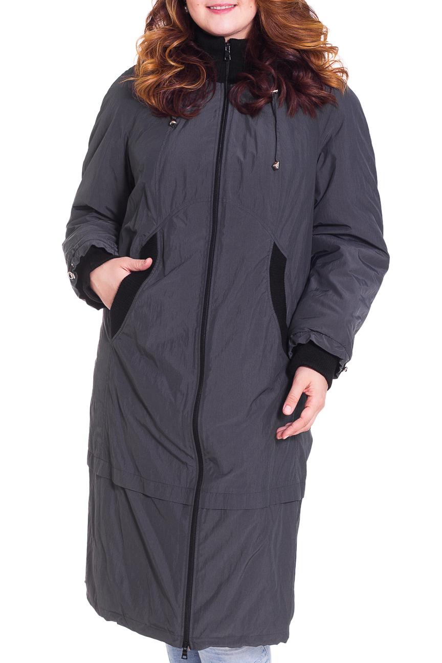 ПальтоПальто<br>Удобное пальто с застежкой на молнию. Модель выполнена из непродуваемой ткани.  Цвет: серый, черный  Рост девушки-фотомодели 180 см<br><br>Воротник: Стойка<br>Застежка: С молнией<br>По длине: Ниже колена<br>По образу: Город<br>По стилю: Повседневный стиль<br>По элементам: С капюшоном,С карманами<br>Рукав: Длинный рукав<br>По сезону: Осень,Весна<br>По материалу: Тканевые<br>По рисунку: Цветные<br>По силуэту: Полуприталенные<br>Размер : 58,60,62,76,78<br>Материал: Болонья<br>Количество в наличии: 7