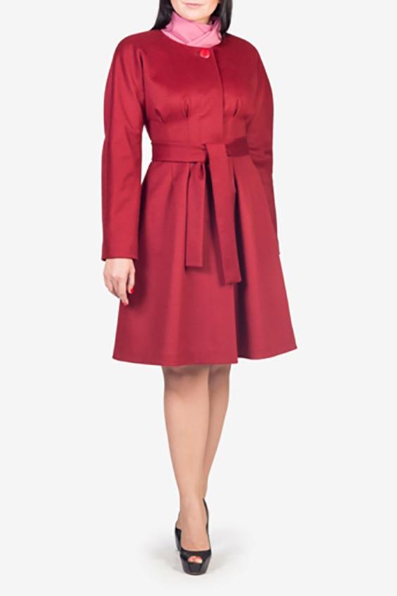 ПальтоПальто<br>Красивое женское пальто приталенного силуэта. Модель выполнена из плотного материала. Отличный вариант для демисезонного гардероба. Пояс в комплект не входит  Цвет: красный  Рост девушки-фотомодели 170 см<br><br>Горловина: С- горловина<br>По материалу: Шерсть<br>По рисунку: Однотонные<br>По сезону: Весна,Осень<br>По элементам: С декором,С карманами<br>Рукав: Длинный рукав<br>По стилю: Повседневный стиль<br>Застежка: С пуговицами<br>Размер : 42,44,46<br>Материал: Пальтовая ткань<br>Количество в наличии: 5