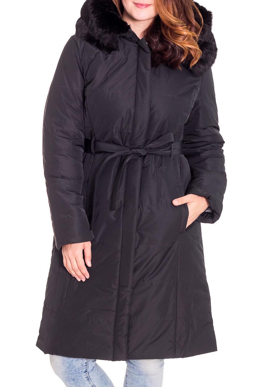 ПальтоКуртки<br>Зимнее пальто полуприталенного силуэта, длинной до колена, с карманами, застежка на молнию и кнопки. Капюшон украшен мехом.  Пальто без пояса. Ростовка изделия 170 см.  В изделии использованы цвета: черный  Рост девушки-фотомодели 180 см.<br><br>Застежка: С кнопками,С молнией<br>По длине: Удлиненные<br>По материалу: Плащевая ткань,Тканевые<br>По рисунку: Однотонные<br>По сезону: Осень,Зима<br>По силуэту: Полуприталенные<br>По стилю: Повседневный стиль<br>По элементам: С капюшоном,С карманами<br>Рукав: Длинный рукав<br>Размер : 46,50<br>Материал: Болонья<br>Количество в наличии: 2
