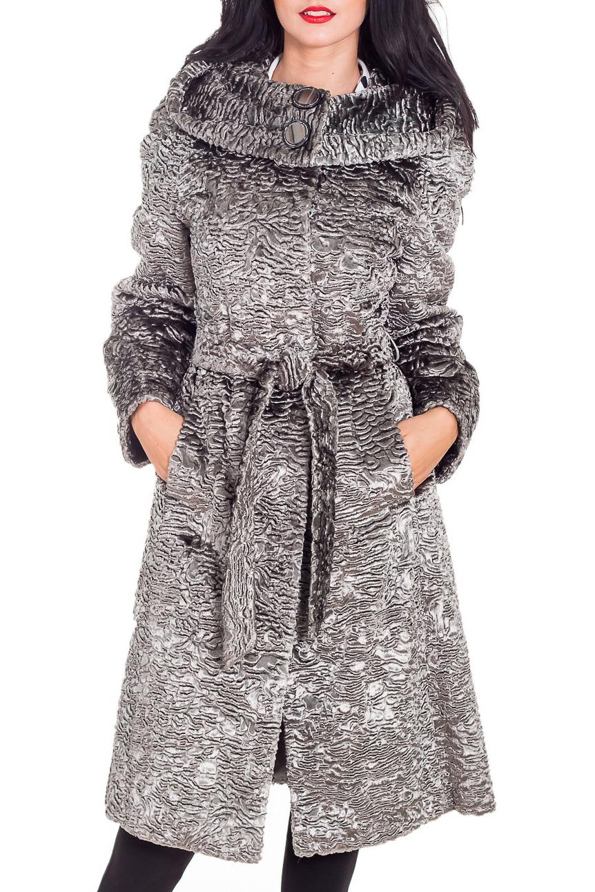 ПальтоПальто<br>Зимнее пальто из искусственного меха по каракуль. Модель с капюшоном.  Пальто без пояса. Ростовка изделия 164 см.  В изделии использованы цвета: серый  Рост девушки-фотомодели 173 см.<br><br>Воротник: Фантазийный<br>Застежка: С пуговицами<br>По длине: Ниже колена<br>По материалу: Мех<br>По образу: Город<br>По рисунку: Однотонные,Фактурный рисунок<br>По силуэту: Приталенные<br>По стилю: Повседневный стиль<br>По элементам: С карманами<br>Рукав: Длинный рукав<br>По сезону: Зима<br>Размер : 44,50,52<br>Материал: Пальтовая ткань<br>Количество в наличии: 1