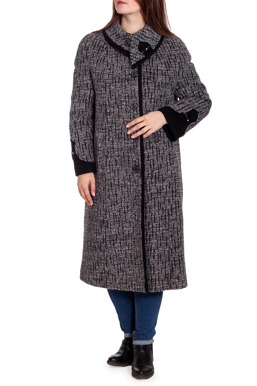ПальтоПальто<br>Удлиненное зимнее пальто с застежкой на пуговицы. Модель на подкладе, выполнена из плотной пальтовой ткани. Отличный выбор для повседневного гардероба. Ростовка изделия 170 см.  В изделии использованы цвета: серый, черный  Рост девушки-фотомодели 180 см<br><br>Воротник: Фантазийный<br>Застежка: С пуговицами<br>По длине: Ниже колена<br>По материалу: Пальтовая ткань,Шерсть<br>По рисунку: Цветные<br>По силуэту: Прямые<br>По стилю: Повседневный стиль<br>По элементам: С карманами<br>Рукав: Длинный рукав<br>По сезону: Зима<br>Размер : 52,54<br>Материал: Пальтовая ткань<br>Количество в наличии: 2