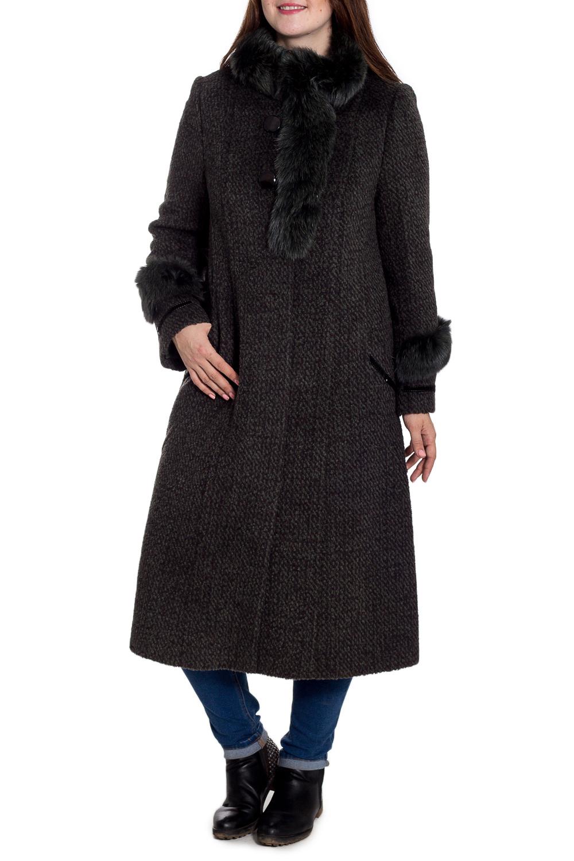 ПальтоПальто<br>Удлиненное зимнее пальто с отделкой из натурального меха. Модель на подкладе, выполнена из плотной пальтовой ткани. Отличный выбор для повседневного гардероба. Ростовка изделия 170 см.  В изделии использованы цвета: коричневый, серый  Рост девушки-фотомодели 180 см<br><br>Воротник: Стойка<br>Застежка: С пуговицами<br>По длине: Ниже колена<br>По материалу: Пальтовая ткань,Шерсть<br>По образу: Город<br>По рисунку: Цветные<br>По силуэту: Прямые<br>По стилю: Повседневный стиль<br>По элементам: С декором,С карманами<br>Рукав: Длинный рукав<br>По сезону: Зима<br>Размер : 50<br>Материал: Пальтовая ткань<br>Количество в наличии: 1