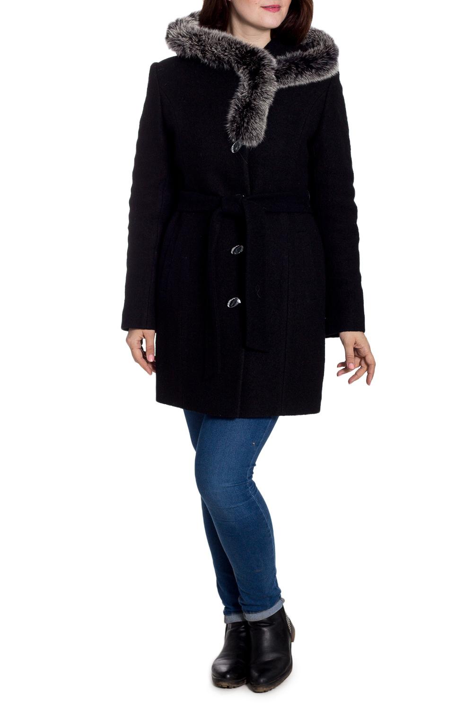 ПальтоПальто<br>Удлиненное зимнее пальто с отделкой из меха. Модель на подкладе, выполнена из плотной пальтовой ткани. Отличный выбор для повседневного гардероба. Ростовка изделия 168 см. Пальто без пояса.  В изделии использованы цвета: черный  Рост девушки-фотомодели 180 см<br><br>Застежка: С пуговицами<br>По длине: До колена<br>По материалу: Пальтовая ткань,Шерсть<br>По рисунку: Однотонные<br>По силуэту: Прямые<br>По стилю: Повседневный стиль<br>По элементам: С декором,С капюшоном,С карманами<br>Рукав: Длинный рукав<br>По сезону: Зима<br>Размер : 46,48<br>Материал: Пальтовая ткань<br>Количество в наличии: 2